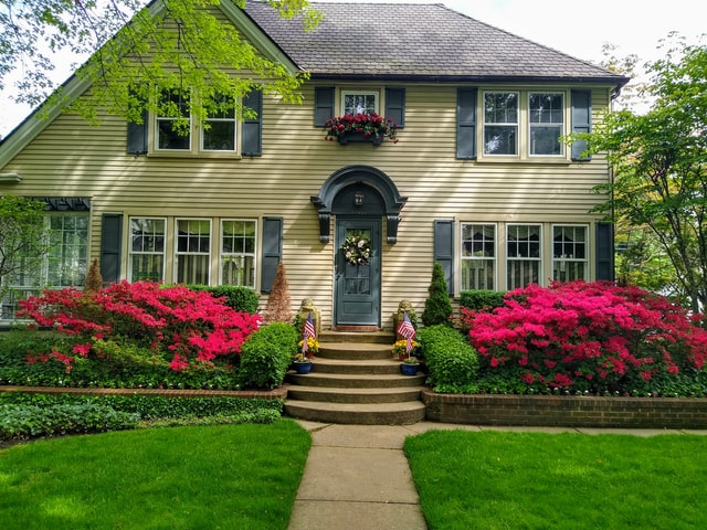 Planning to Sell? Don't Forget About Curb Appeal